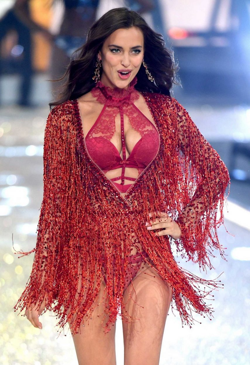 irina-shayk-victorias-secret-fashion-show-2016