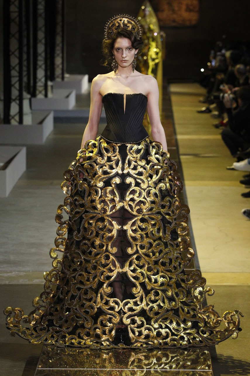 guo-pei-haute-couture-collection-ss-2017-paris-fashion-week-13