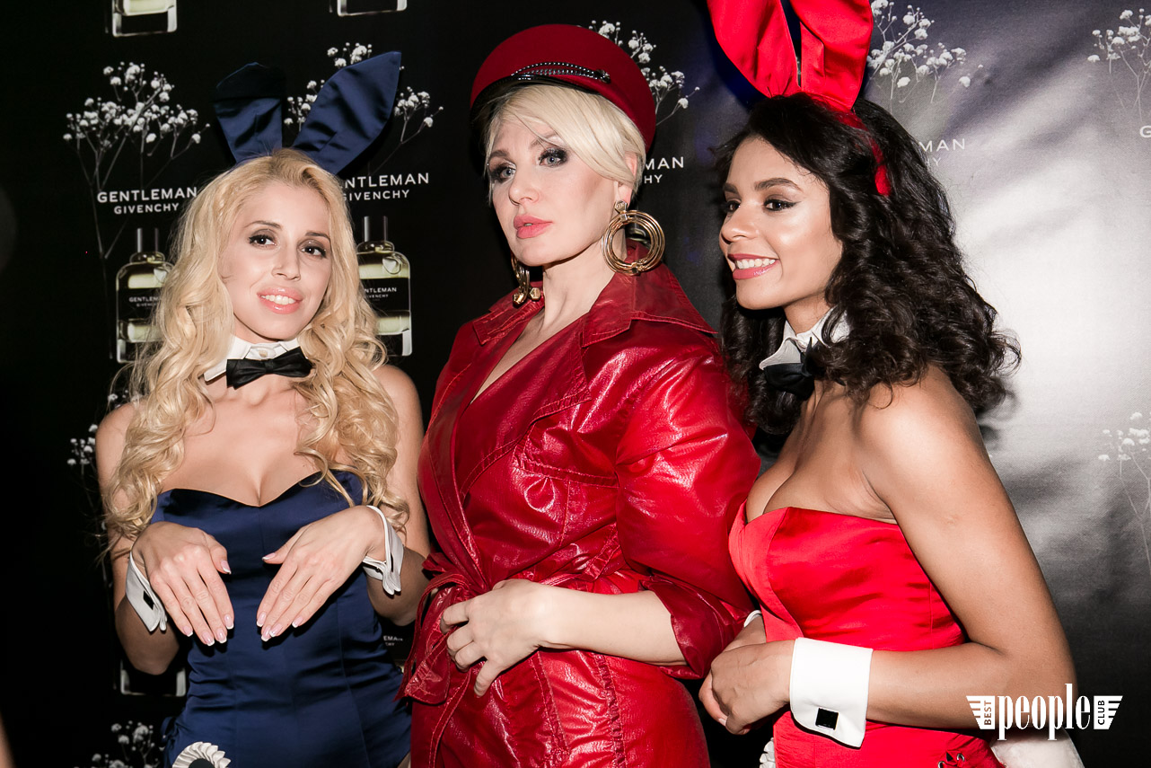 Playboy Gentlemen Club (24)