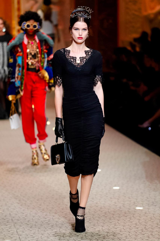 Dolce e Gabbana show AW 18-5698