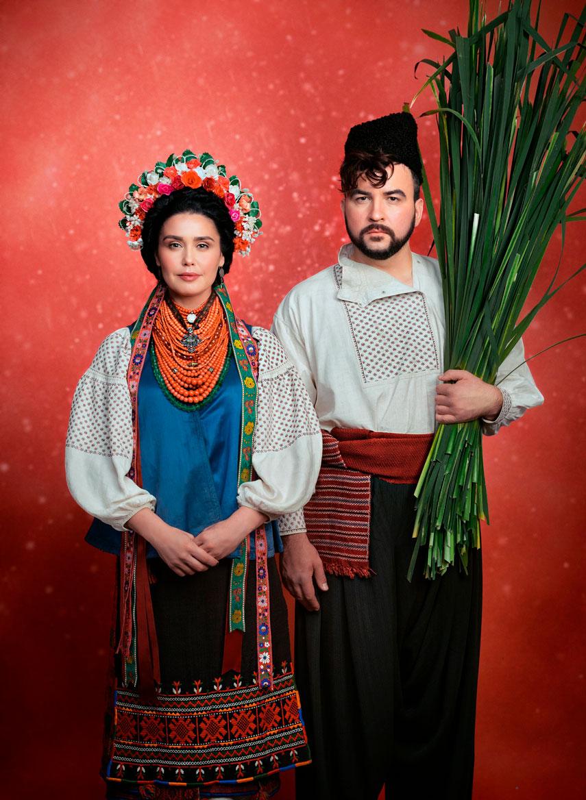 Руслан Сеничкин и Людмила Барбир в благотворительном календаре «Щирі»