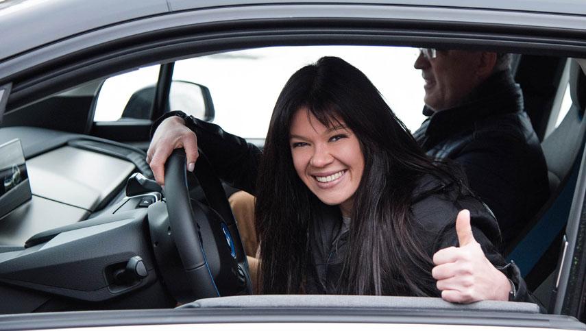 Руслана в Новый Год с чистой энергией на электромобили