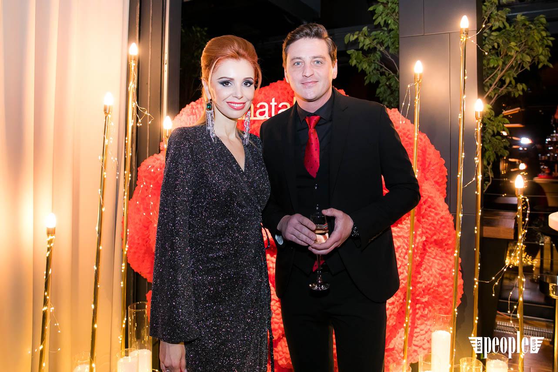 """Журнал """"Натали"""": День рождения в стиле Lady in Red"""