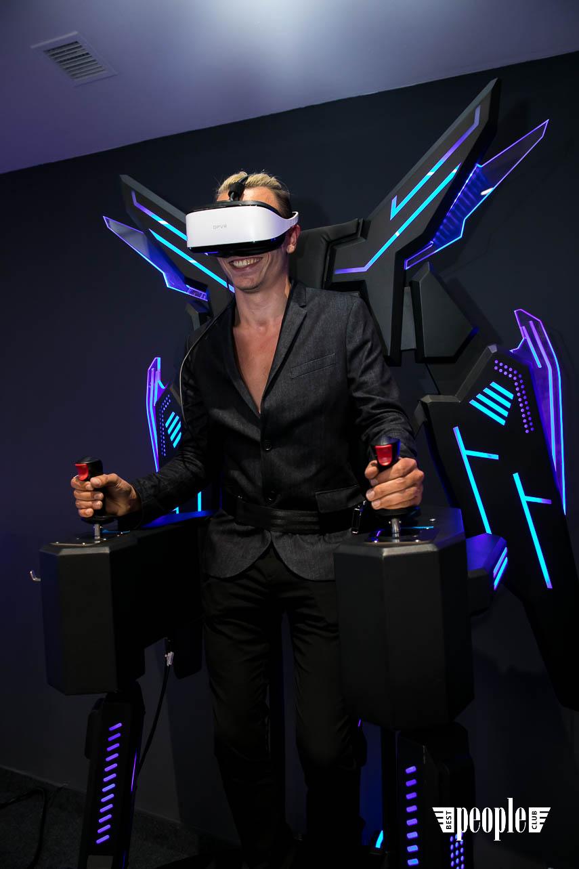VRtuality (2)