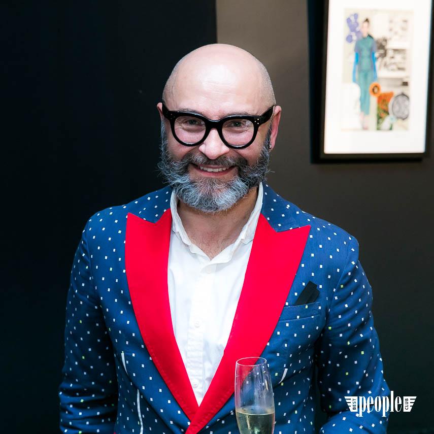 Serge Payet представил персональную выставку I am Trash в parfum büro