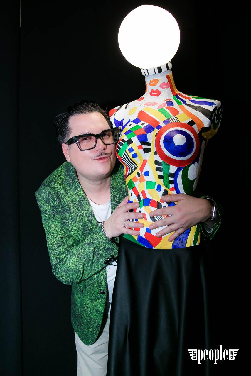 Serge Payet представил персональную выставку I am Trash в parfum büro (171)
