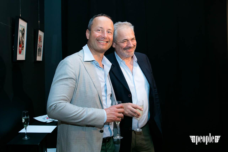 Serge Payet представил персональную выставку I am Trash в parfum büro (70)