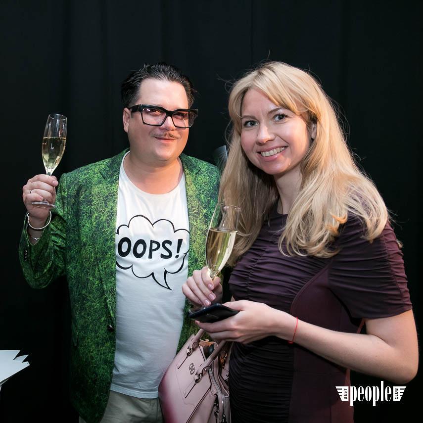 Serge Payet представил персональную выставку I am Trash в parfum büro (75)