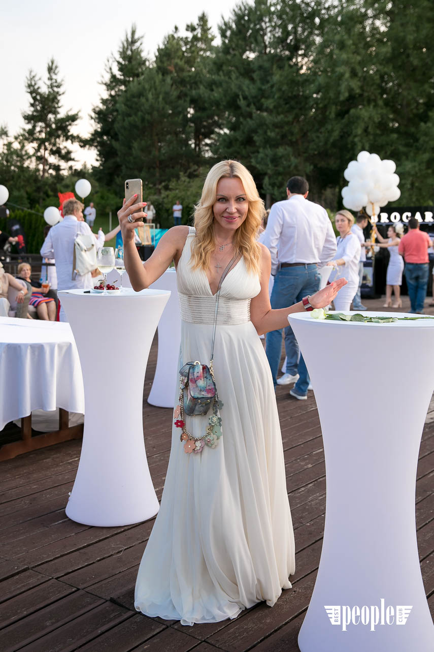 White Party Event (359)