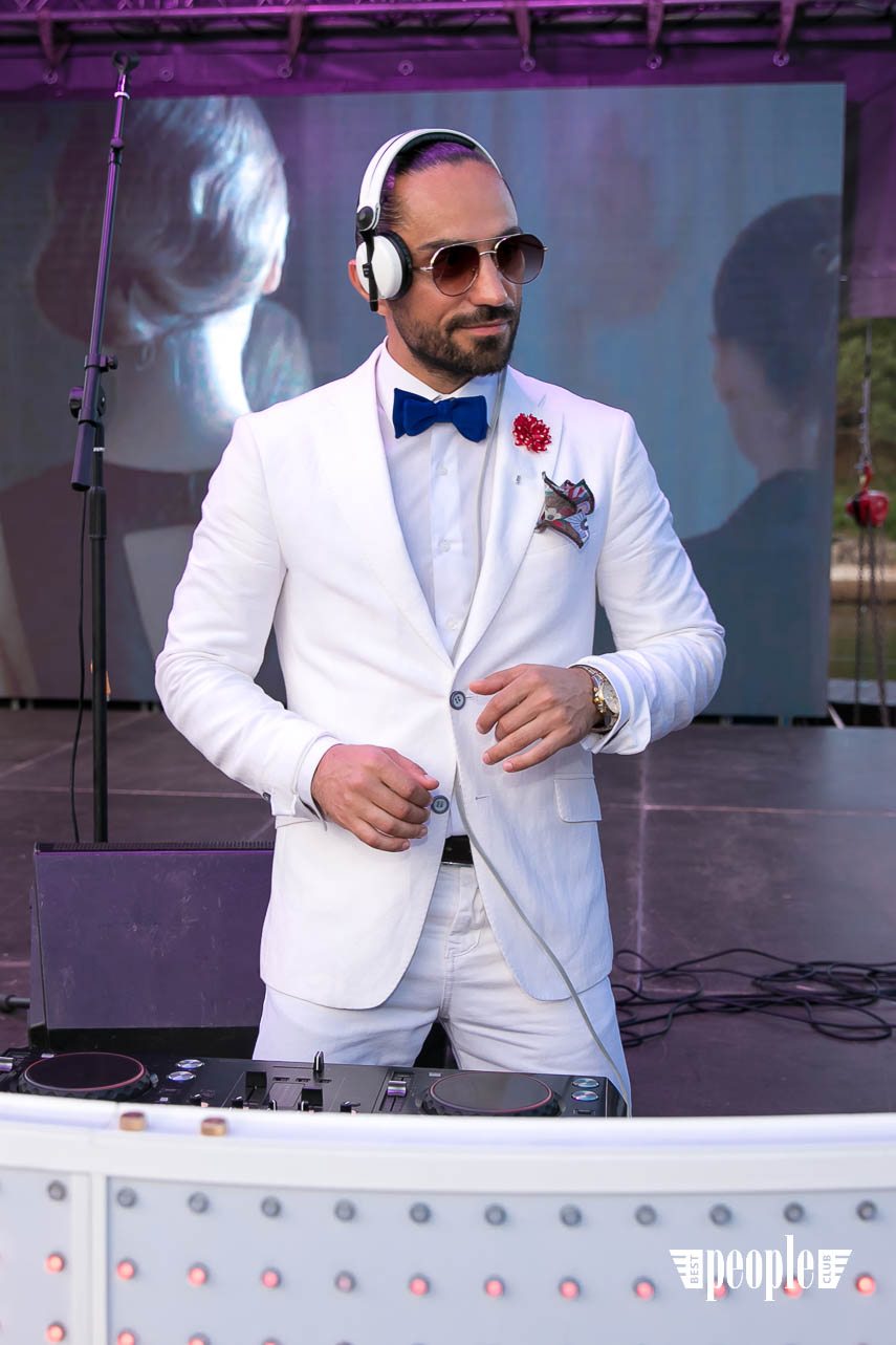 White Party Event (377)