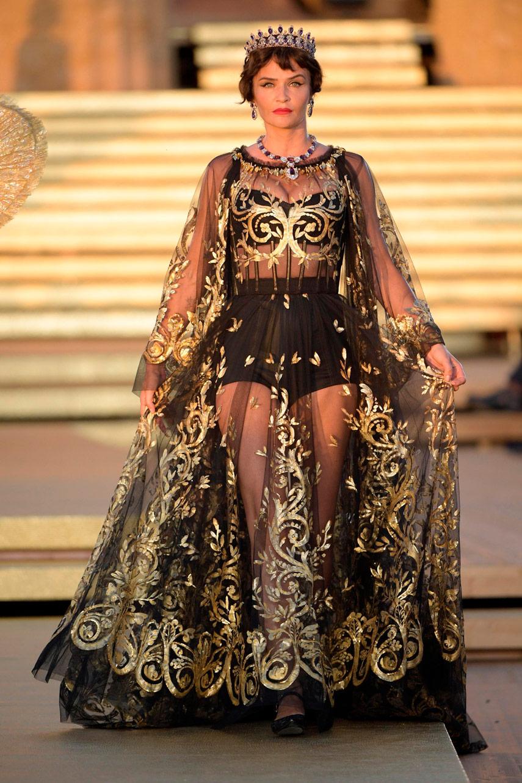 Тропой богов: коллекция Dolce e Gabbana на Alta Moda