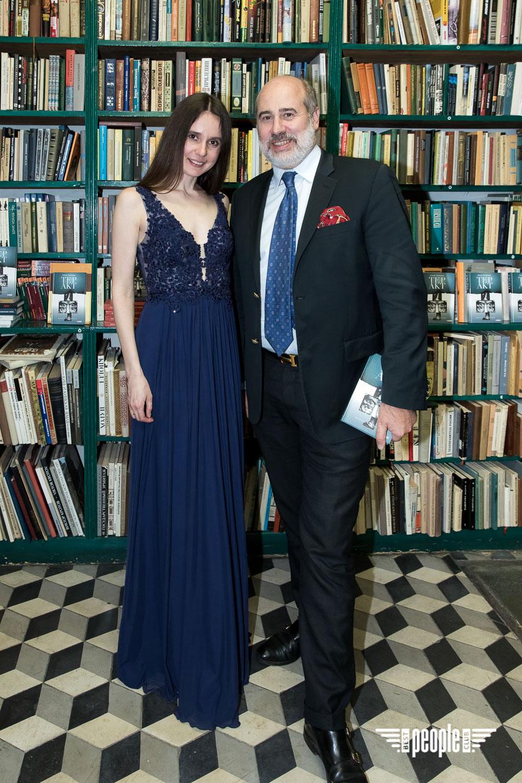 Писательница Алина Тимохина презентовала свою книгу в Париже