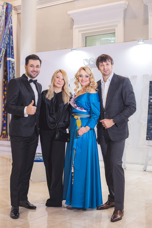 Открылась персональная выставка Оксаны ФУРСА #AURUM