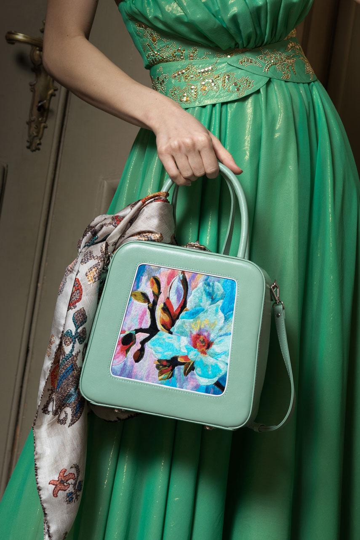Олеся Сахро: сумочка, полная любви и счастья