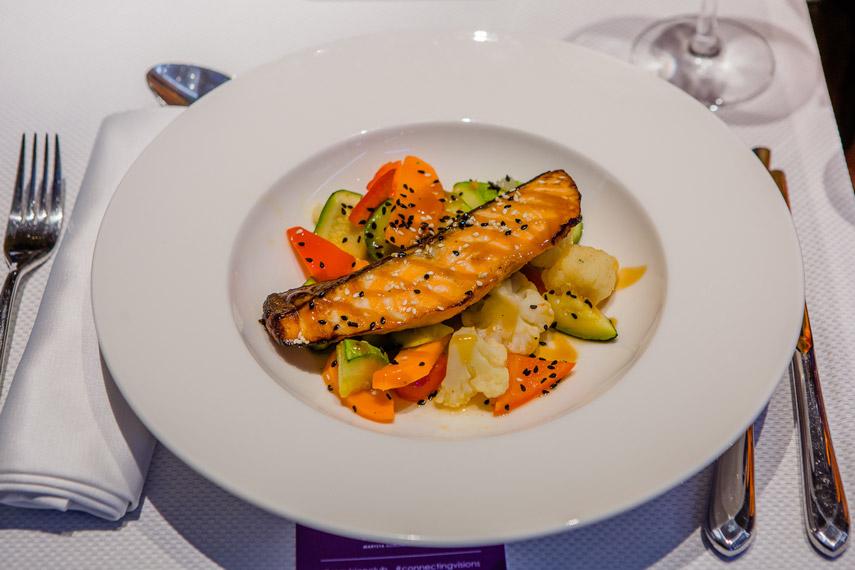 MG Visision club и Маргулан Сейсембай в Chalet Equides Restaurant