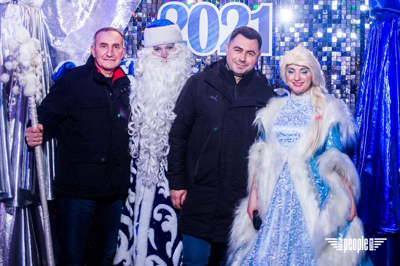 Волшебный Новый год на Riviera Village