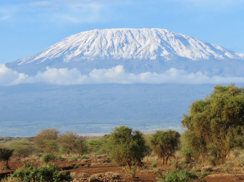 Рэпер Серега покорил Килиманджаро