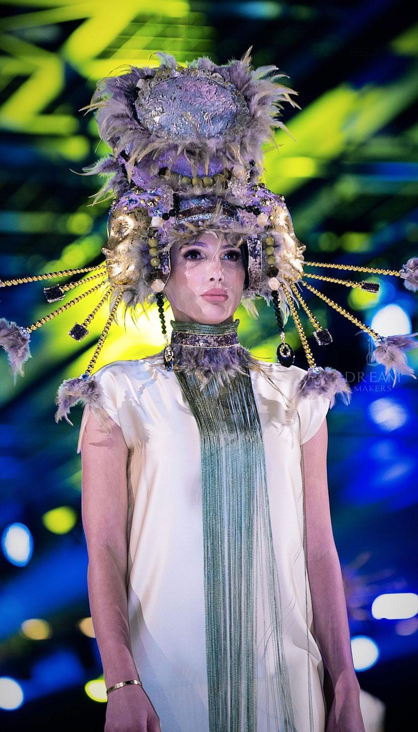 Украинская модель Анна Гомонова блистала на неделе моды в Дубае