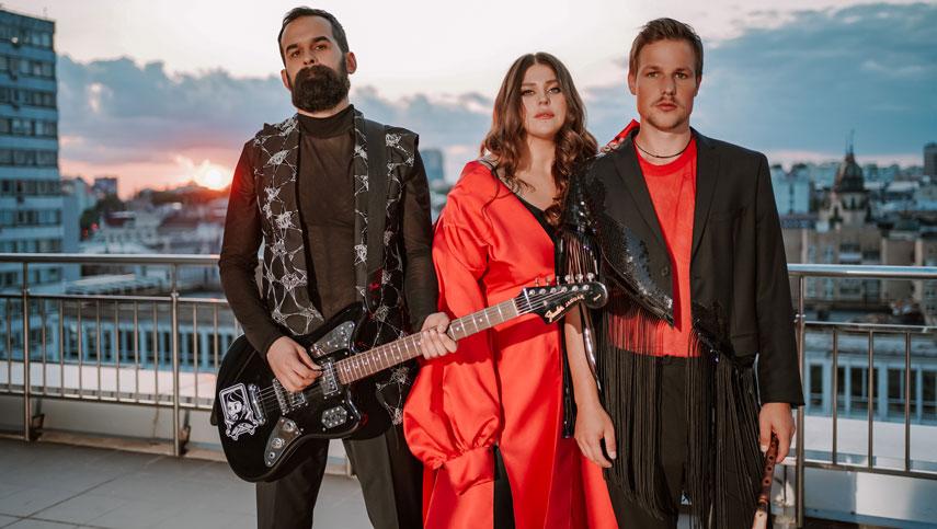 KAZKA презентовали новую песню, она стала главным саундтреком к сериалу «Моя любимая Страшко»