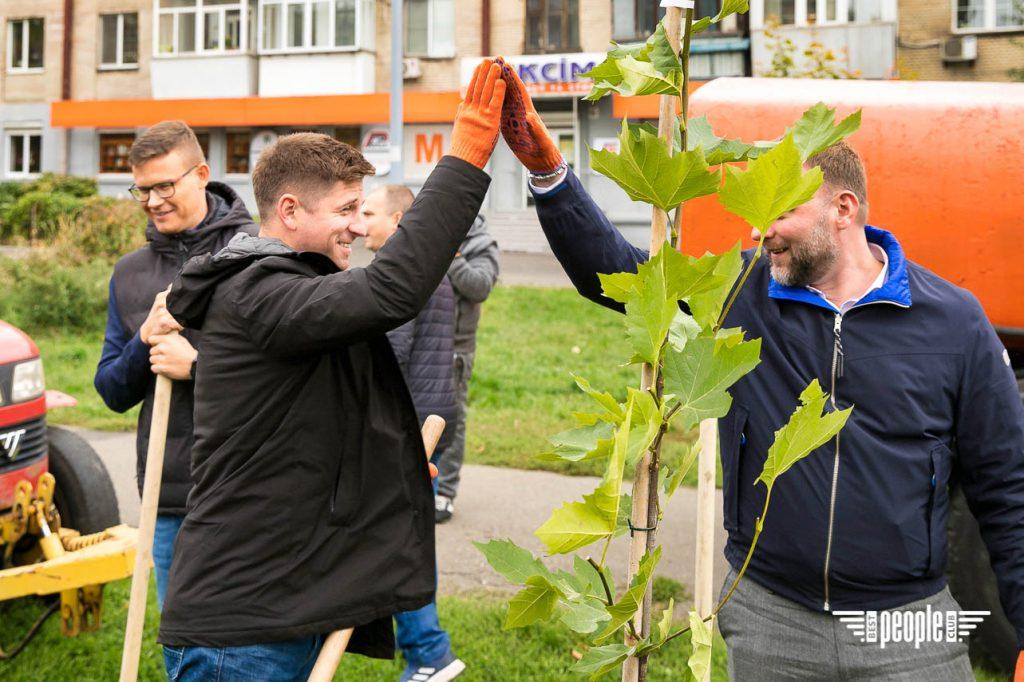 Київ Квітучий и LEV Development с зеленой миссией